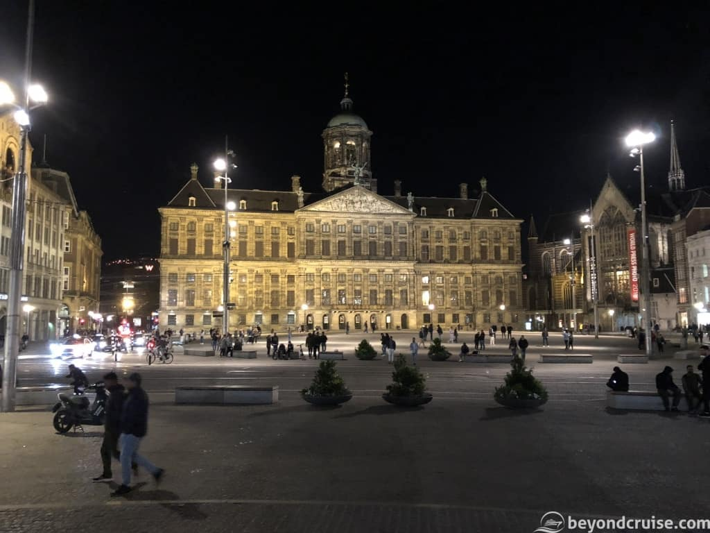 Amsterdam Dam Square at night