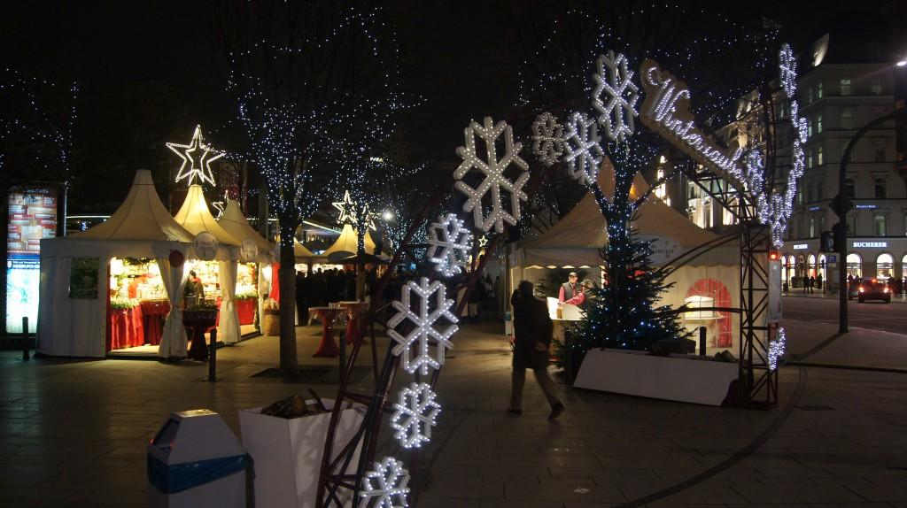 Hamburg's Alster Lake Christmas market