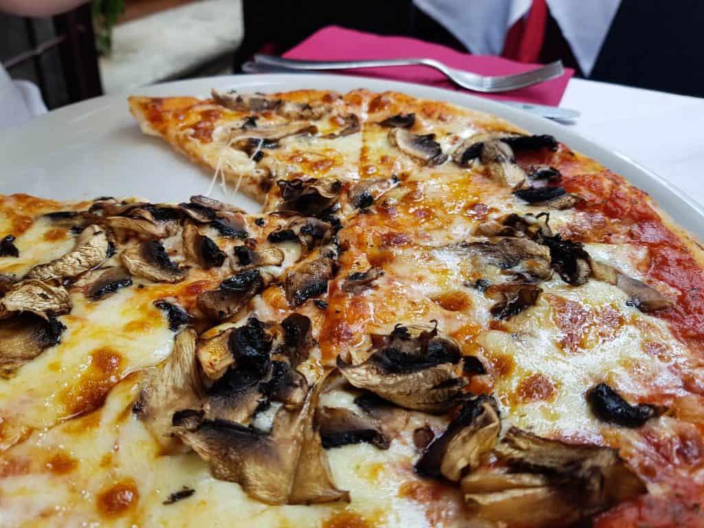 Rome - Funghi Pizza