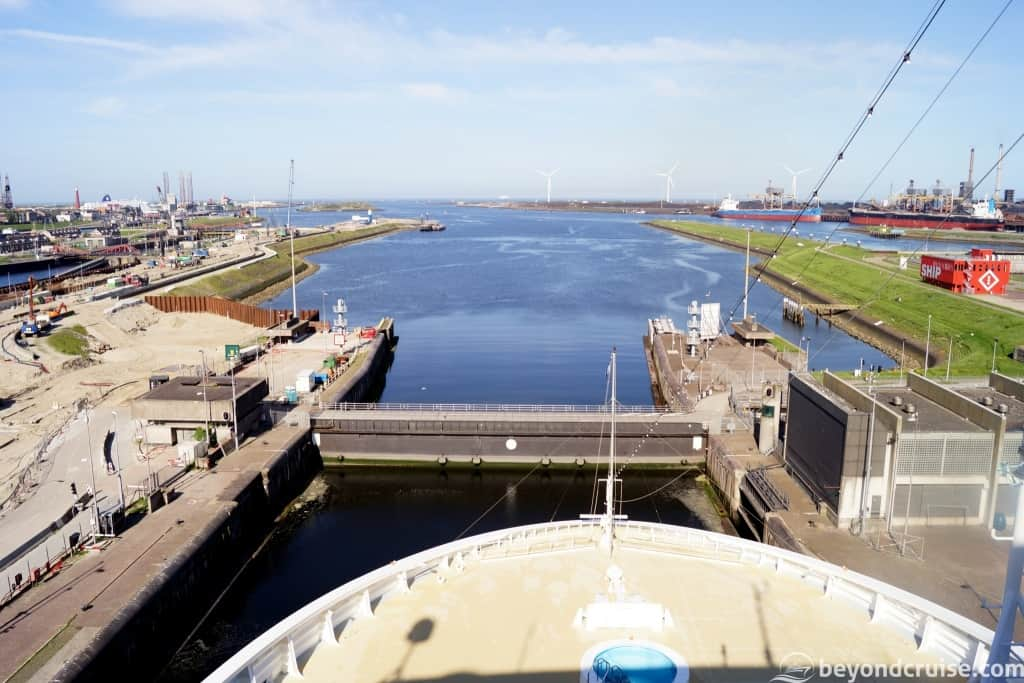 MSC Magnifica in lock at IJmuiden