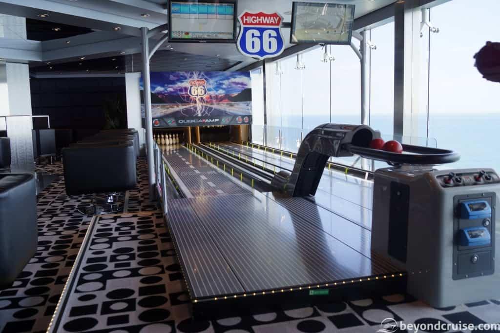 MSC Magnifica Ten pin bowling