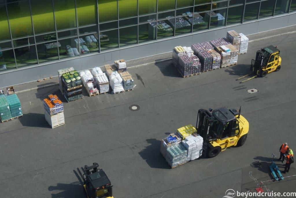 MSC Magnifica receiving new supplies