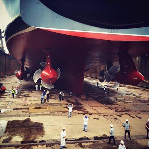 Queen Mary 2 in dry-dock, Hamburg
